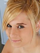 Brittney Photo 15