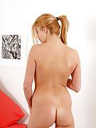 Holly 4 Photo 14