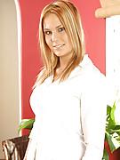 Elizabeth Photo 1