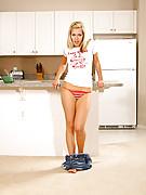 Lena Photo 8