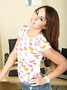Nikki 8 Photo 1