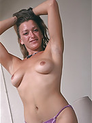 Carla Photo 7