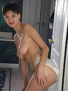 Suzanne Photo 6